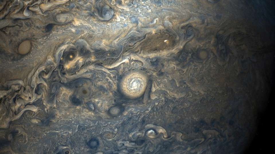 amazing-new-pictures-jupiter-just-perfect-10